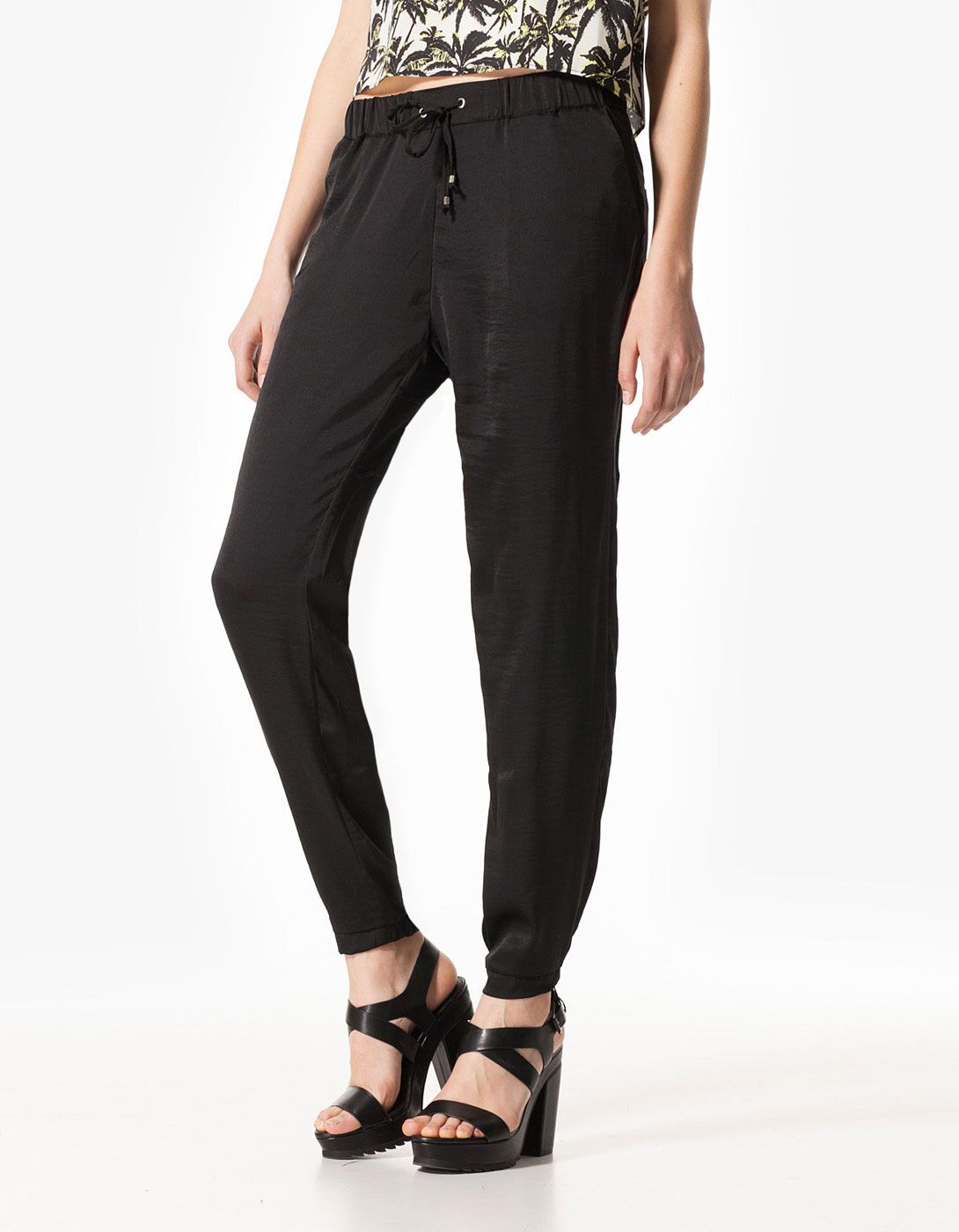 Baggy pants with zip detail