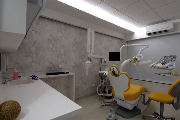 Starsis New York Braces Dental Office Seoul Designboom Bedroom Luggage Quirky