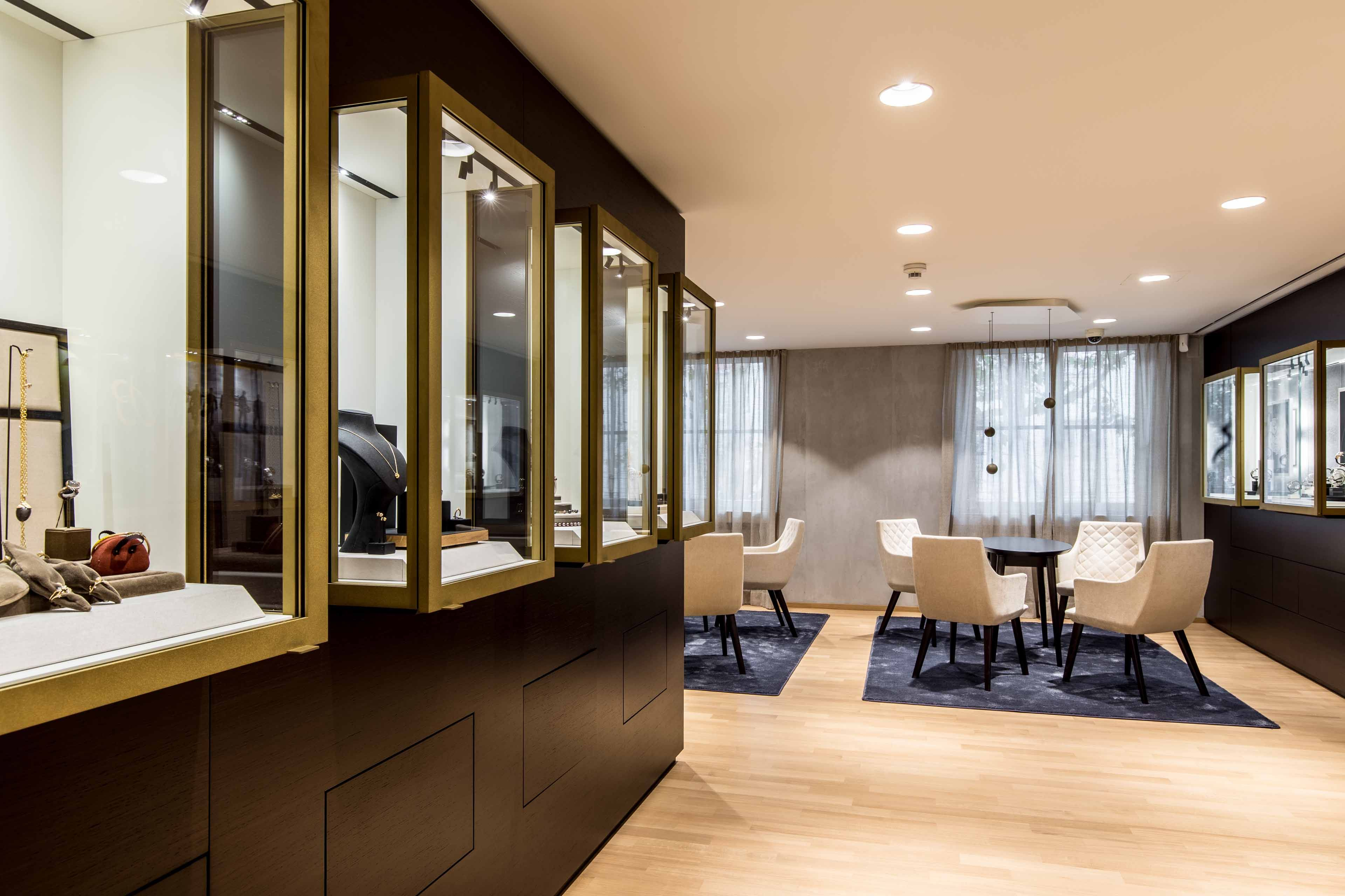 Ort Freiburg Design Ganter Jahr 2018 Buroraume Leder Mobel Verkaufsraum