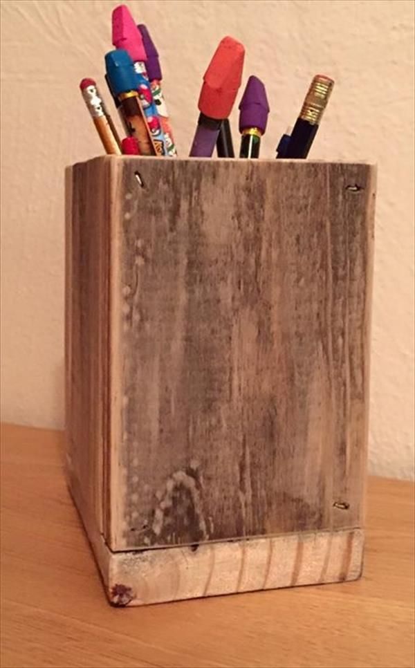 DIY Pencil Holder Made From Pallets