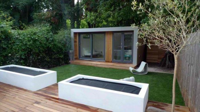Cute puristischer Garten ein minimalistisches Haus Hecke und kleine B ume