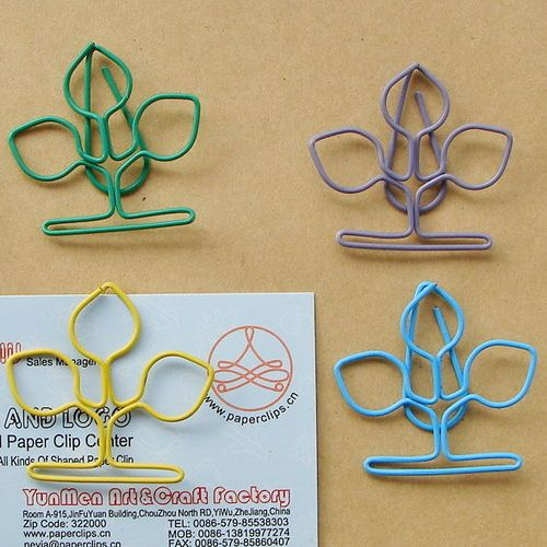 Clover shaped paper clips