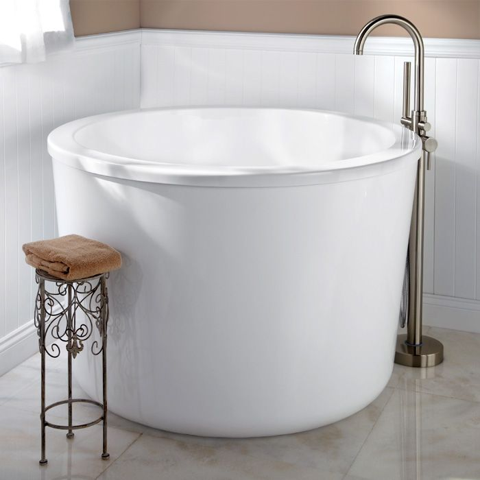 47 Caruso Round Japanese Soaking Tub Small Soaking Tub