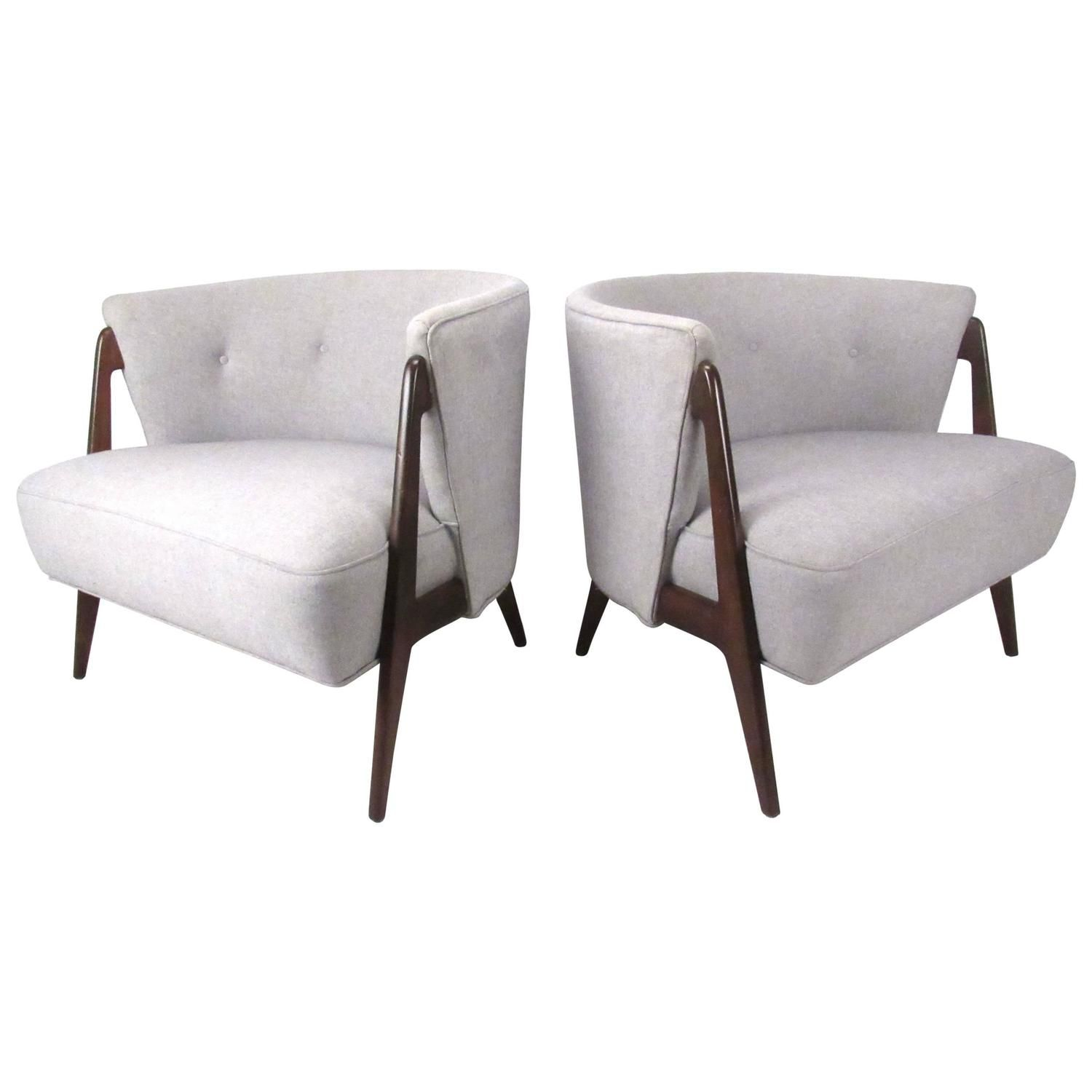 Stylish Pair Of Mid-Century Modern Barrel Back Chairs