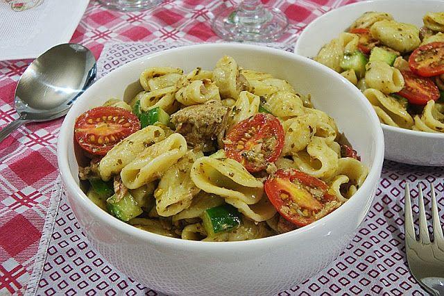 COM CAPRICHO: Salada de Macarrão com Atum ao Pesto