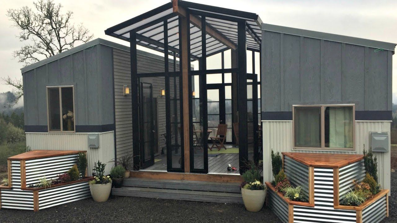 Best Two Warm Cozy Chic Tiny House With A Sunroom Deck In 400 x 300