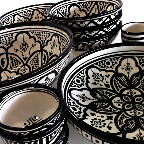 image result for safi pottery black and white table settings pinterest. Black Bedroom Furniture Sets. Home Design Ideas