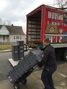 How to decide on a moving day. #movingtips #movingdawgs