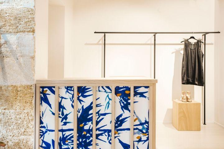9da05f4b0f014 Spazio 21 shop by Silvio Girolamo, Gioia del Colle – Italy » Retail Design  Blog | Retail | Window display retail, Boutique interior, Shop interior  design