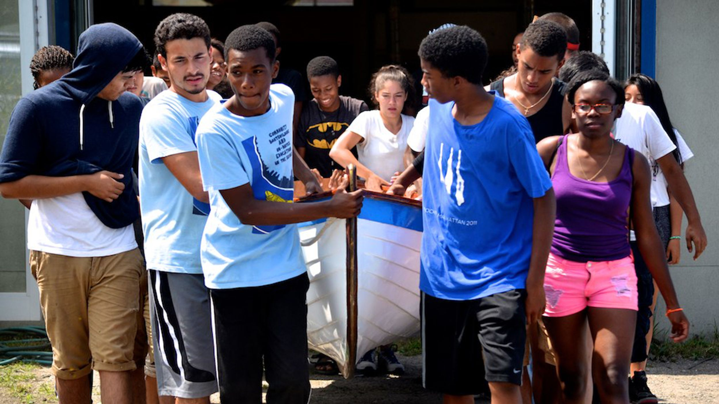 Boat-building workshop helps inner-city students set new courses