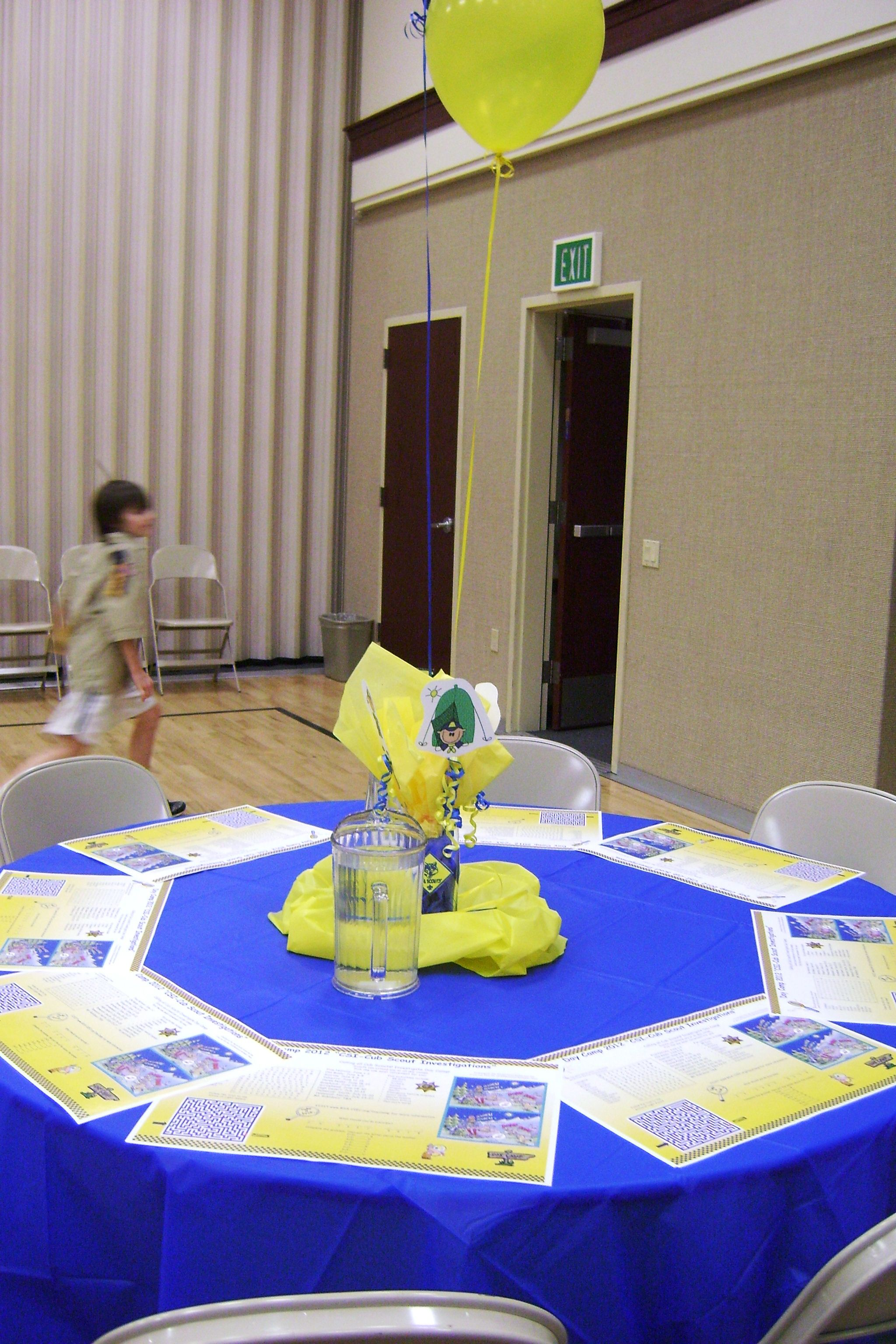 cub scout decorations ~ blue & gold dinner | scouts | pinterest