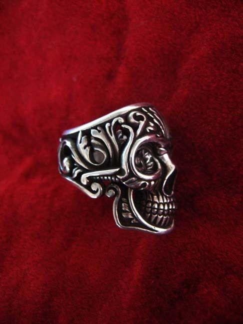 The Victory skull ring mi mi mi mi mi yo quieroooooo
