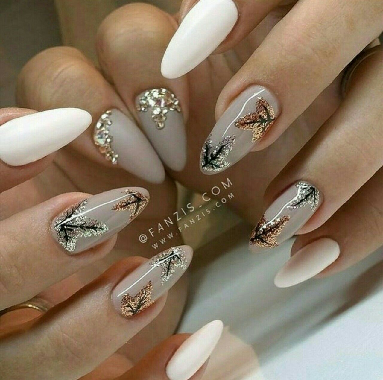 Pin von Keiko Taisho auf Nails | Herbst acrylnägel ...