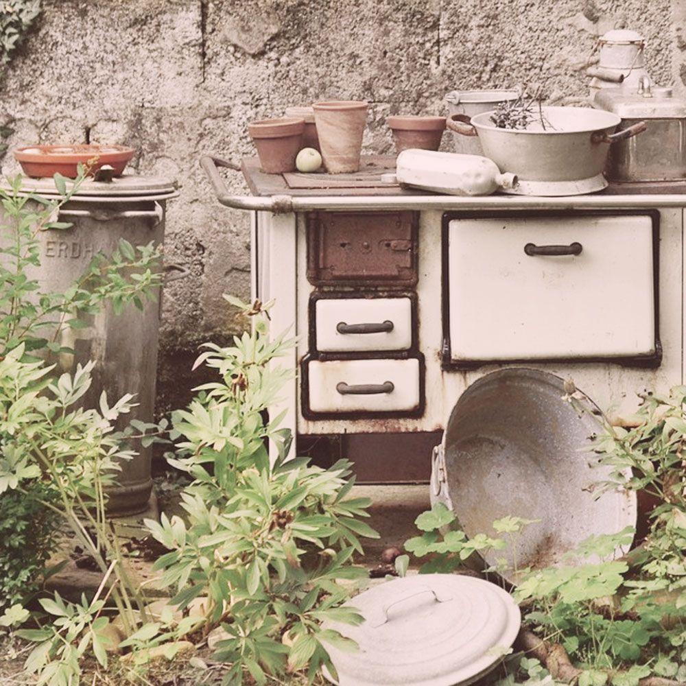 Was Fur Viele Einfach Mull Ware Ist Hier Eine Zauberhafte Vintage Gartendekoration Gartendeko Vintage Vintage Gartendekoration Gartendekoration Garten Deko