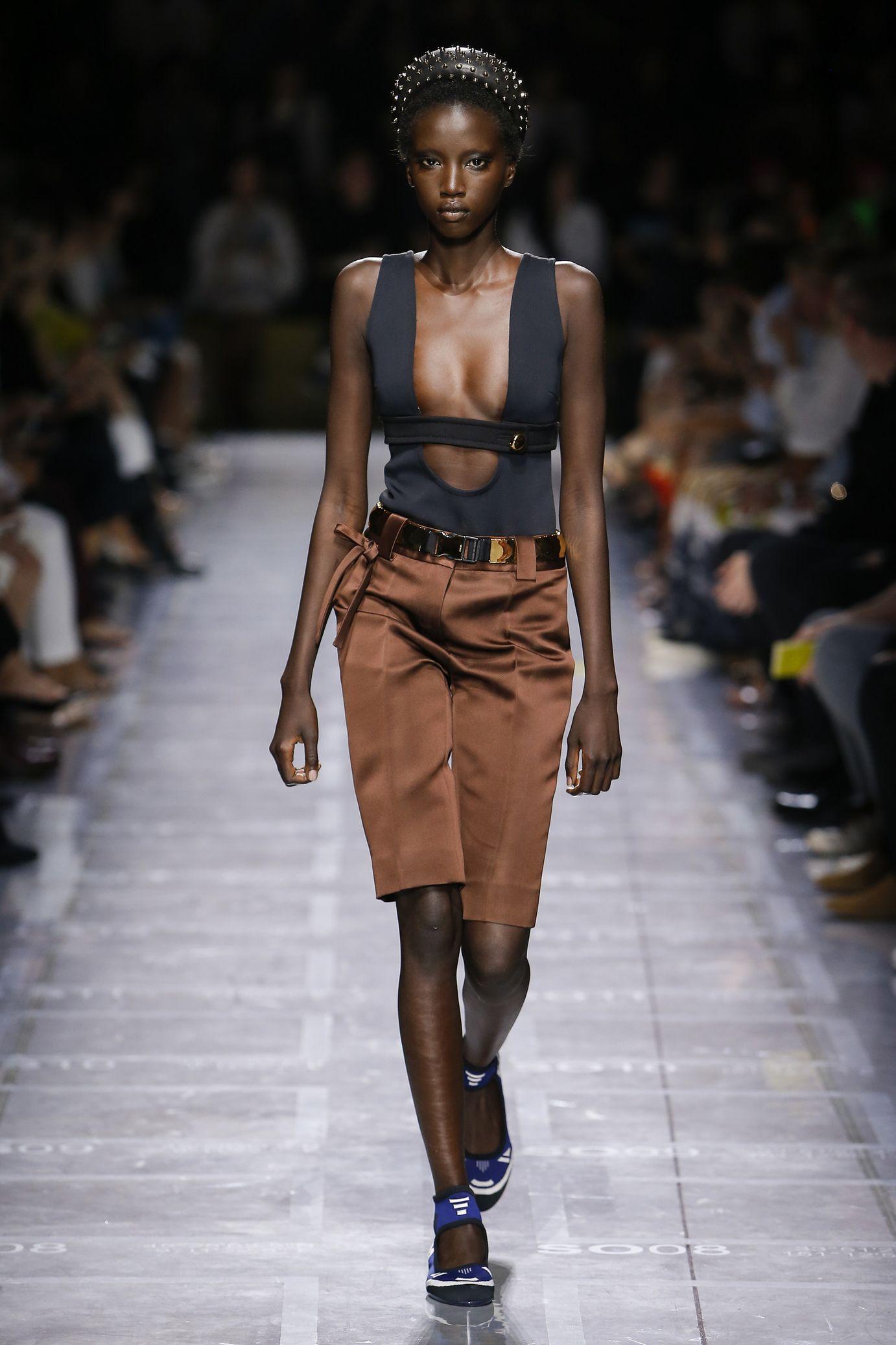 50% price super cute running shoes Défilés   fashion week / Women   Bermuda femme été, Prada ...