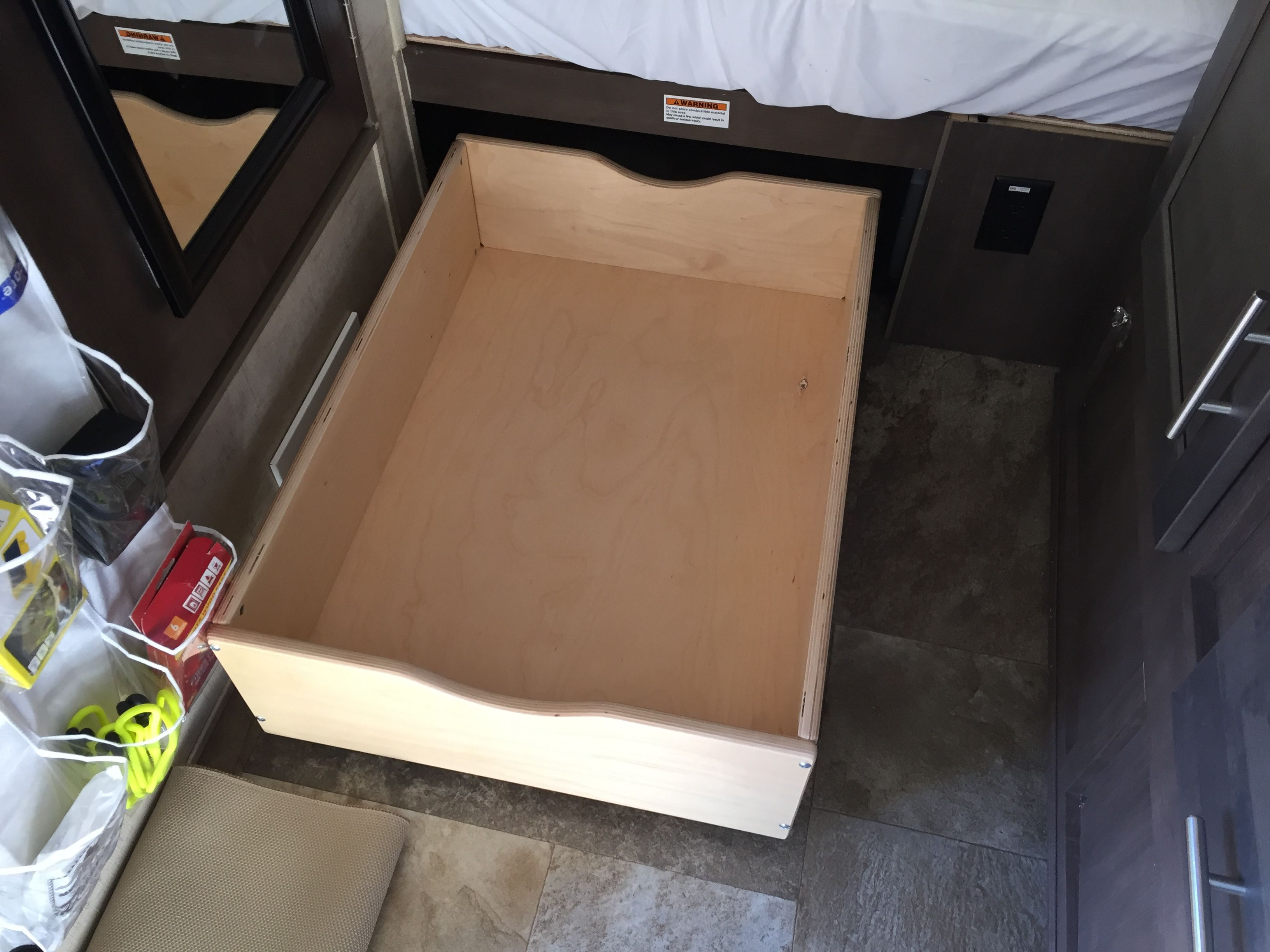 drawers into under organize underbed the space drawer storage rolling bed create glass