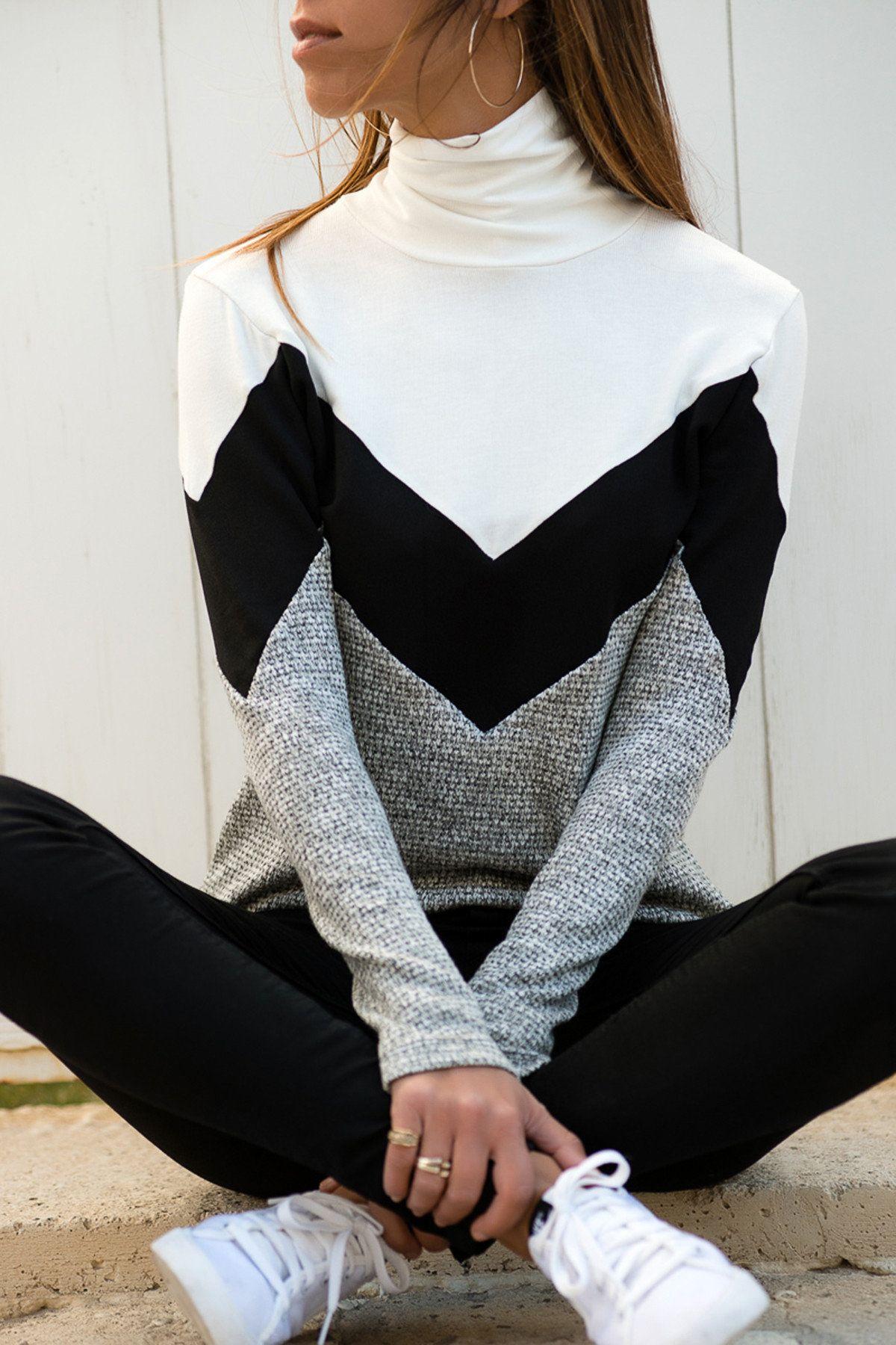 Kadin Siyah Beyaz Bloklu Bogazli Kazak Trend Alacati Stili Trendyol Trendler Bogazli Kazak Giyim