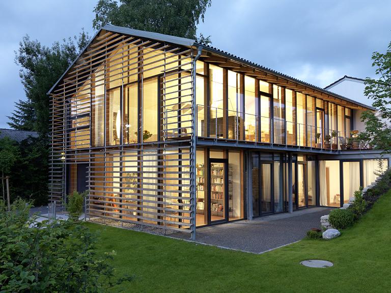 Einfamilienhaus neubau modern satteldach  modernes einfamilienhaus holz giebeldach - Google-søk | Fassade ...