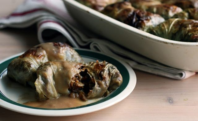 Finnish cabbage rolls filled with hearty lentils, barley and mushrooms. Vegan - by Maikin mokomin