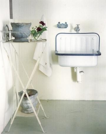 Enamel Bucket Sink