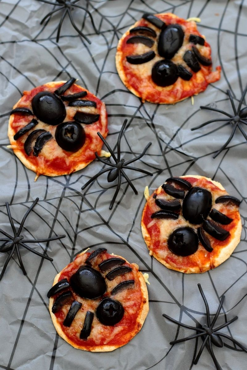 Pizza araignée pour Halloween | Recette halloween apero, Nourriture halloween et Apero dinatoire ...