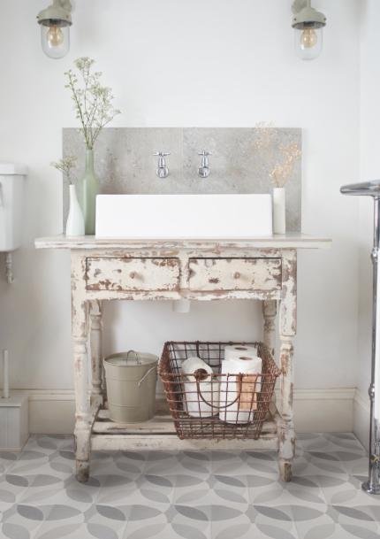 id e r cup meubles anciens d tourner en lavabo salle de bains pinterest salle de bain. Black Bedroom Furniture Sets. Home Design Ideas