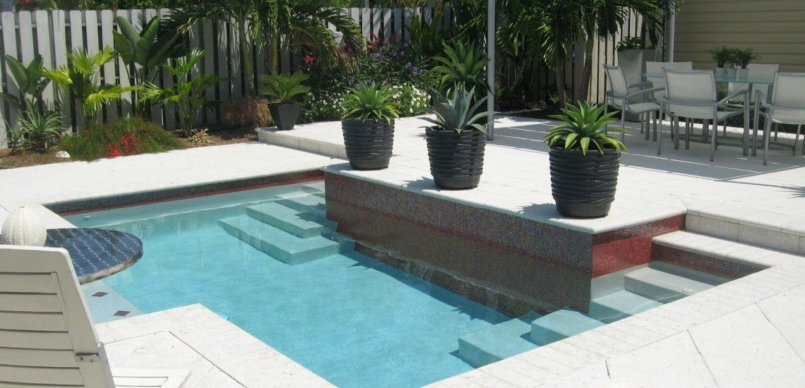 Contemporary Pool With Dual Step Entry | Pool Builders, Inc.Pool ...
