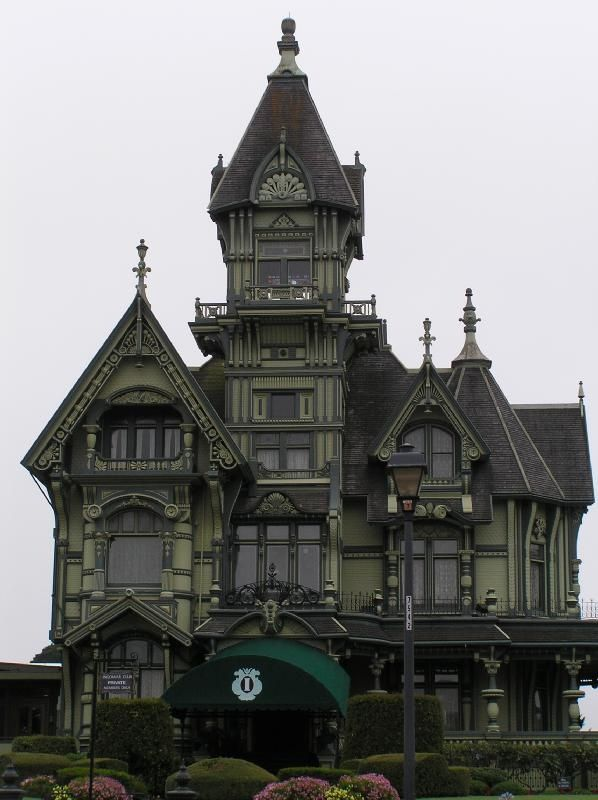 i love creepy old victorian homes - Victorian Home