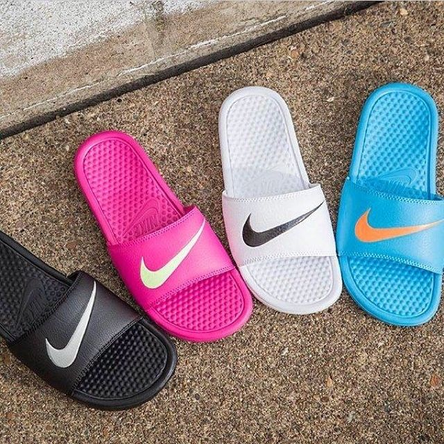 super popular 430a5 d6d10 nikeroshe$19 on in 2019 | shoes | Shoes, Nike slippers, Nike ...