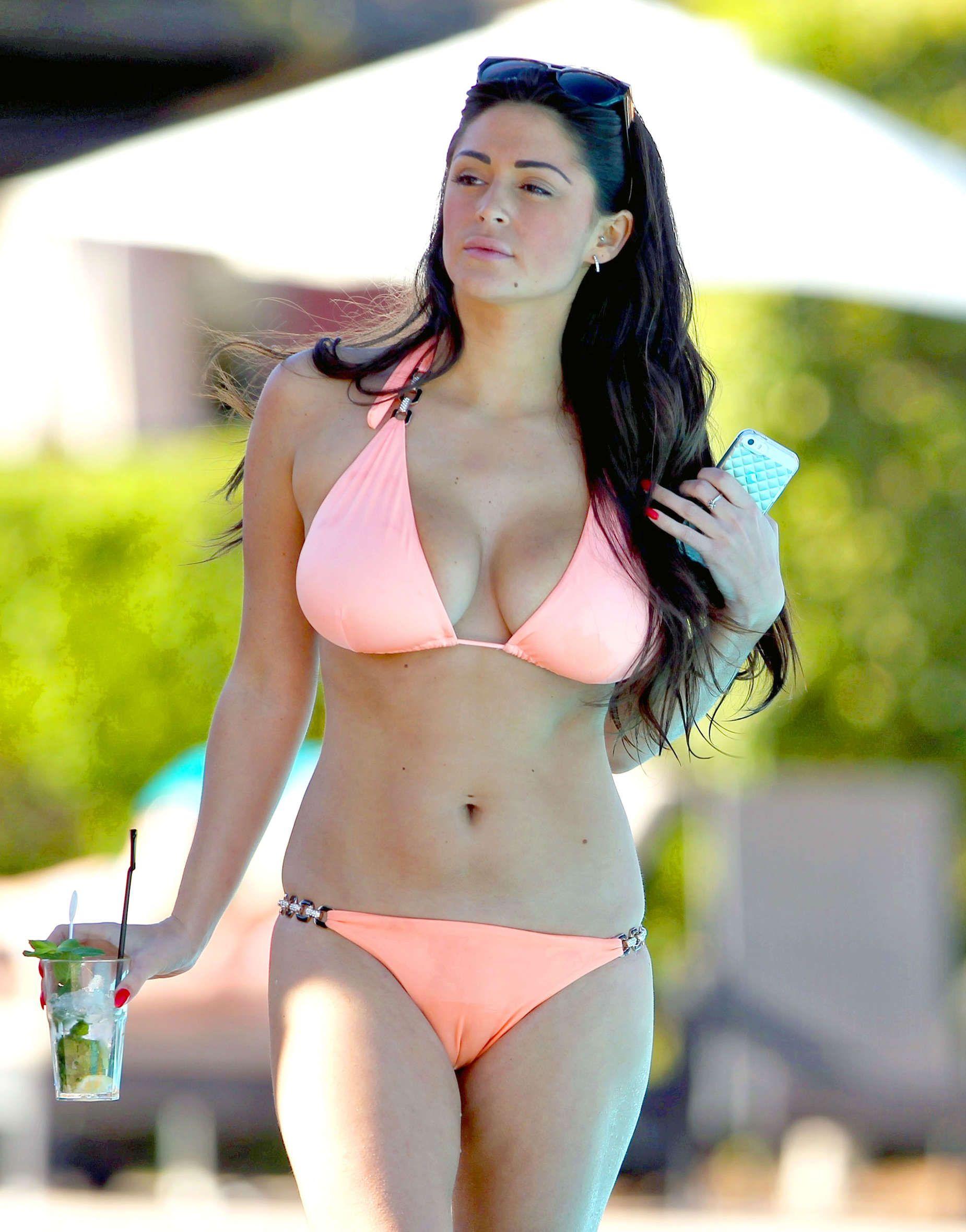Casey batchelor sexy 6 nude (22 photo), Cleavage Celebrites fotos