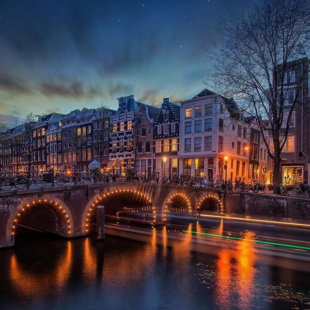 One night in Amsterdam .  by me @g0lden_heart  Thank you very much for the recent feature @likeforpix @animalnaturehq @awesome.naturepics @ivyswimwear @national_destination @travelrad . . #aPlaceToRemember #golden_heart #Amsterdam #Holland