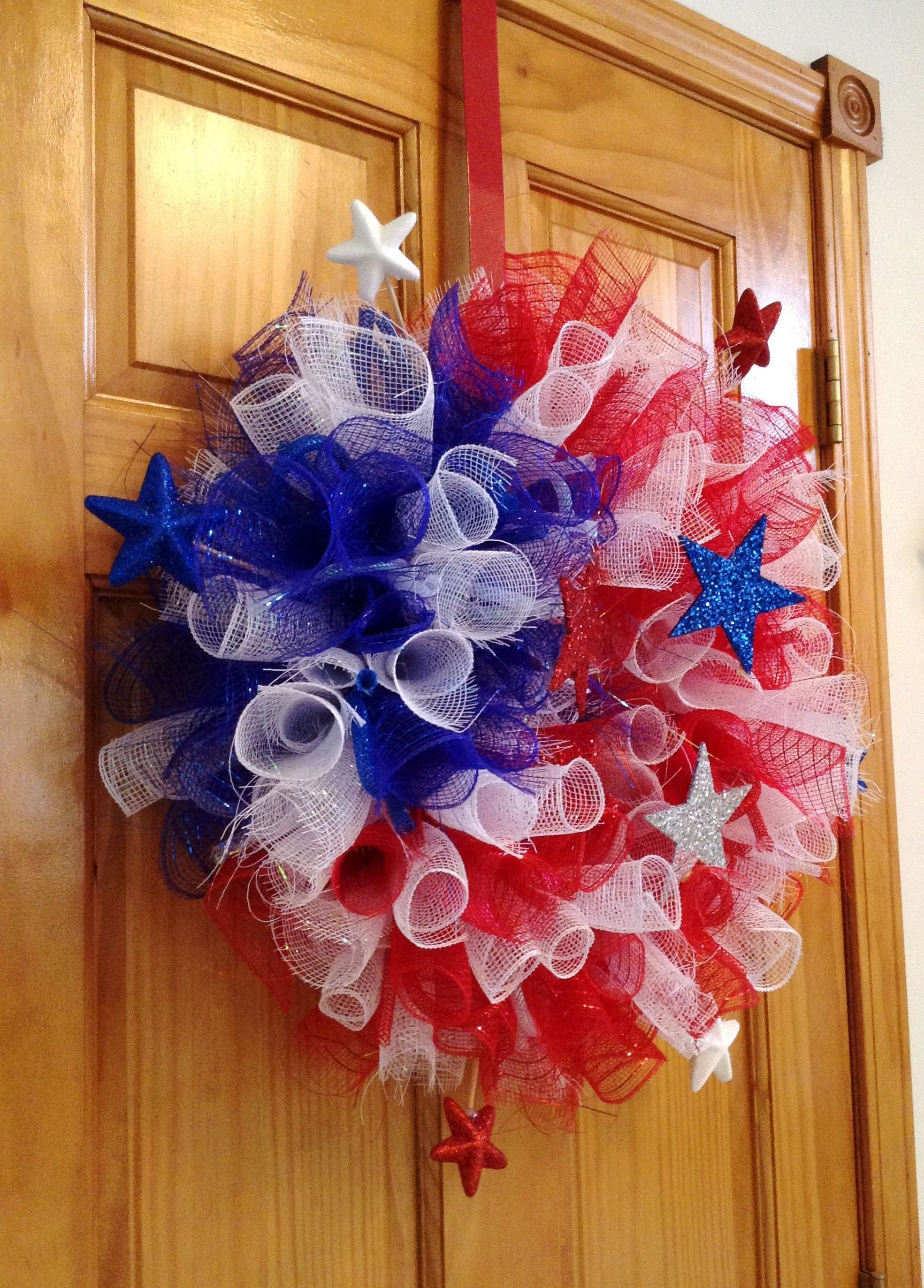 4th Of July Deco Mesh Wreath Deco Mesh Wreath I Ve Made Deco Mesh Wreaths Deco Wreaths