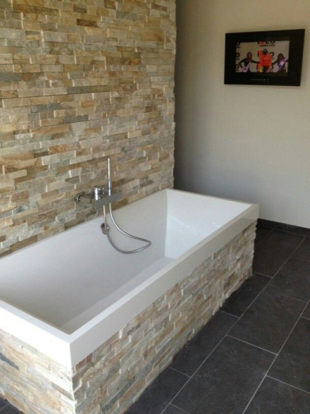 Steenstrips op de badkamer | Examples | Pinterest | Stone walls ...