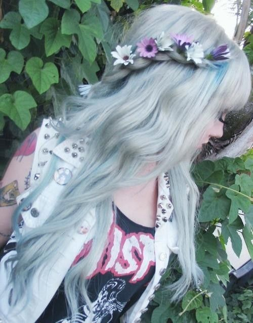 Hot hair chalk for girls #hair #chalk www.loveitsomuch.com