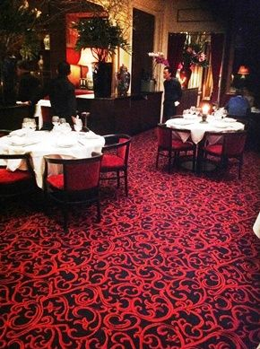 restaurant chez ly angle rue lord byron et rue balzac 75008 paris moquette tiss e sur mesure. Black Bedroom Furniture Sets. Home Design Ideas