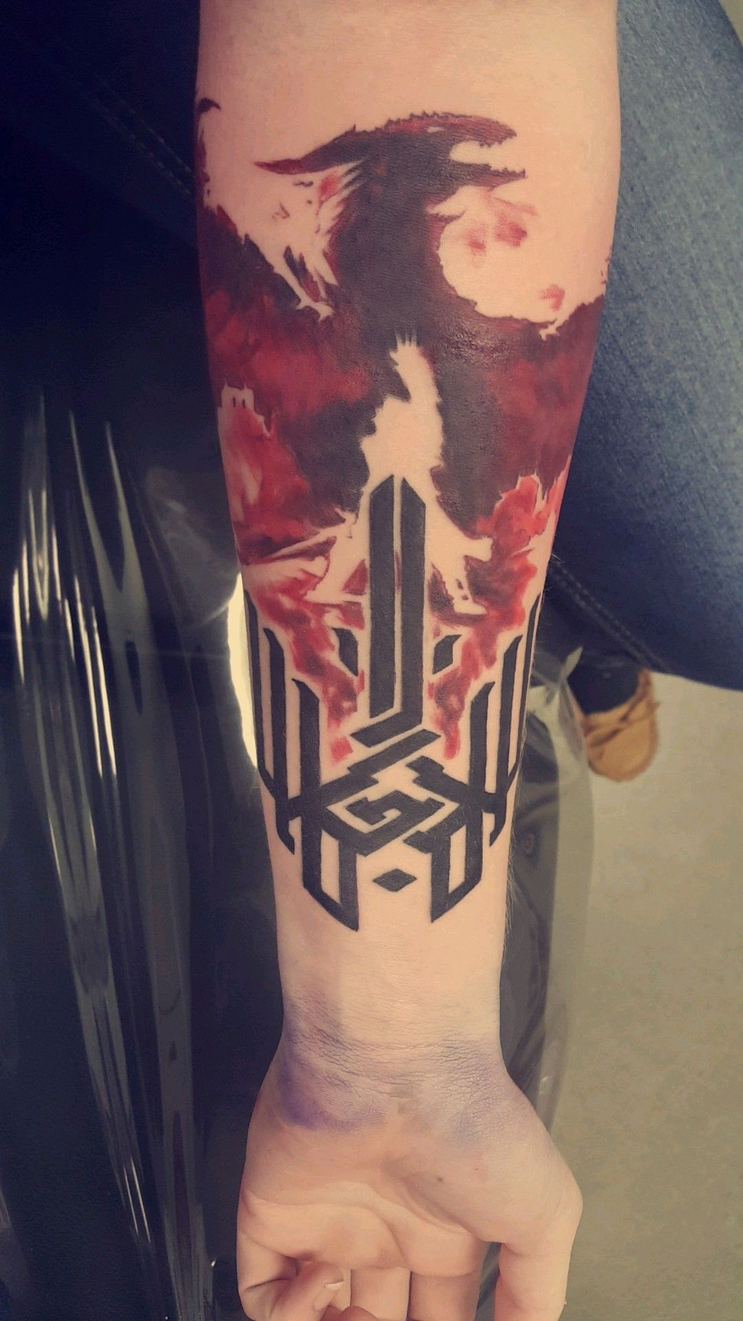 Dragon Age Origins, Dragon Age II, and Dragon Age Inquisition in one tattoo. Fucking awesome.