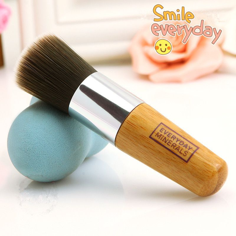 2015 New Hot Everyday Minerals EDM Foundation Brush Super Soft Synthetic Hair Makeup Brush Markup Tool !!! - http://www.aliexpress.com/item/2015-New-Hot-Everyday-Minerals-EDM-Foundation-Brush-Super-Soft-Synthetic-Hair-Makeup-Brush-Markup-Tool/32262108022.html