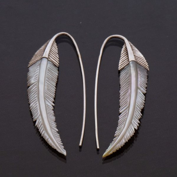 Ohrhänger - Gypsy Feather Earrings - mother of pearl and solid - ein Designerstück von zephyr9 bei DaWanda