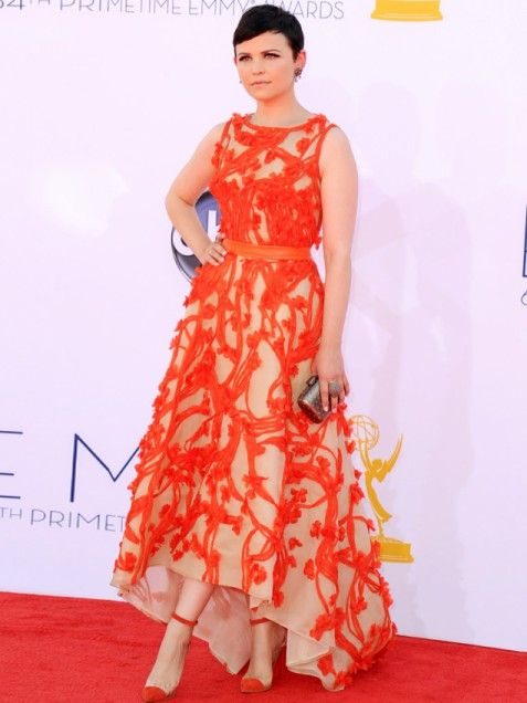 Love Ginnifer Goodwin's choice for the Grammy's- a beautiful cut with a fabulous design and a popping color. The shoes make it!