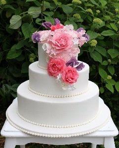 Hochzeitstorte New York Cheesecake Schokotorte Beeren Frischkase