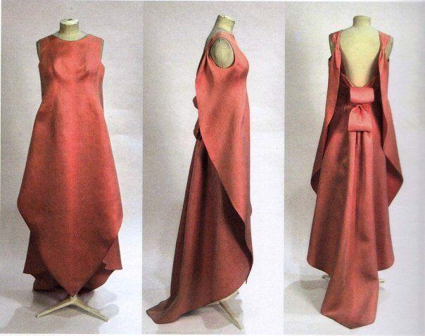 sculptural berry colored balenciaga gown.