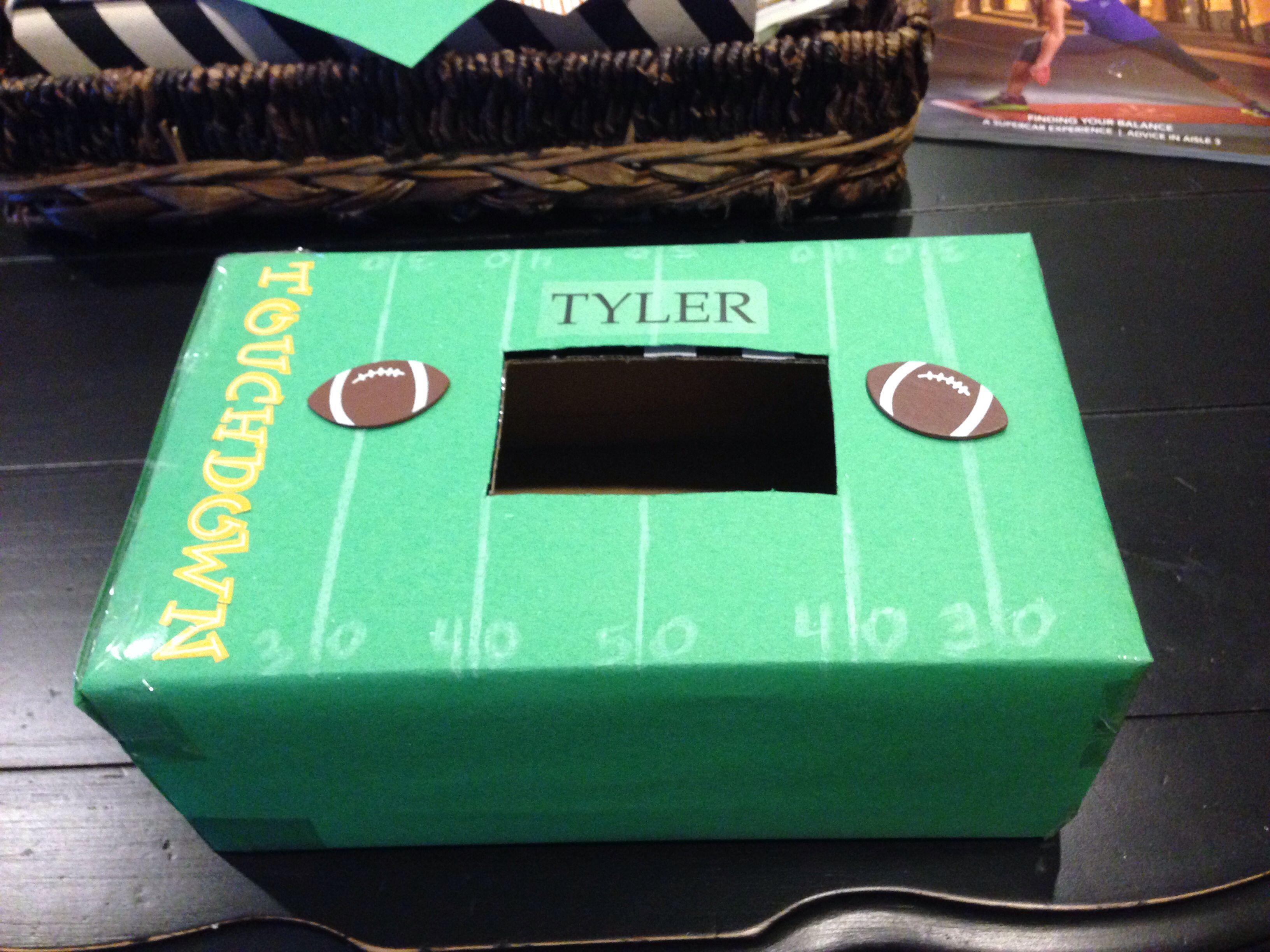 tylers valentines day box - Soccer Valentine Box