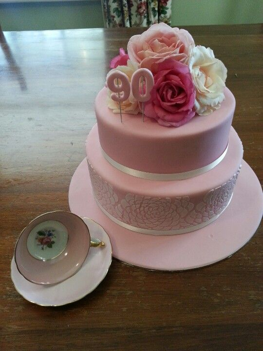 90th birthday for Grandma   Cake ideas I like   Pinterest   Backideen
