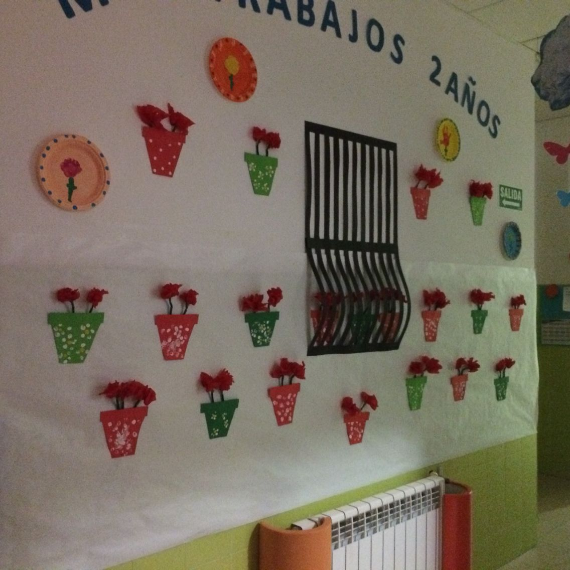 Patio andaluz escuela infantil vallmont decoracion for Decoracion primavera manualidades