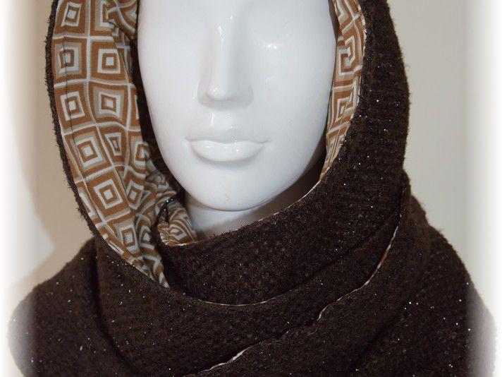 Tutoriales DIY: Cómo hacer una bufanda con capucha vía DaWanda.com ...