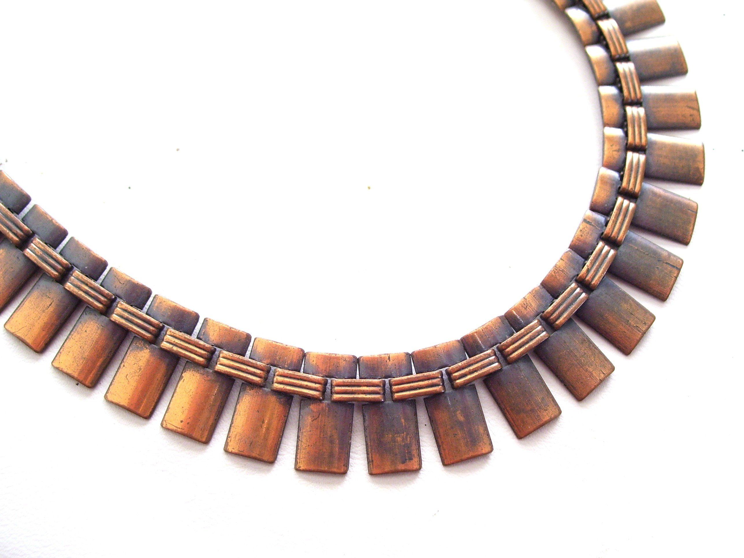 Gold /& Red Jewelry 1980/'s Choker Necklace Enameled Statement Necklace Vintage Red Link Necklace V Link Design