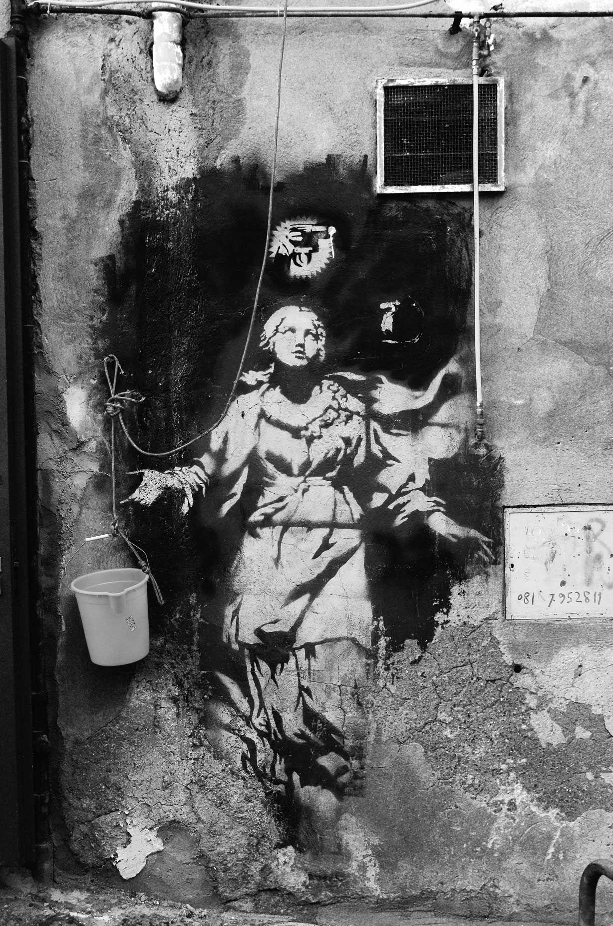 Banksy, Napoli 2009 Street Art in Naples, Italy-Banksj-Madonna con la pistola