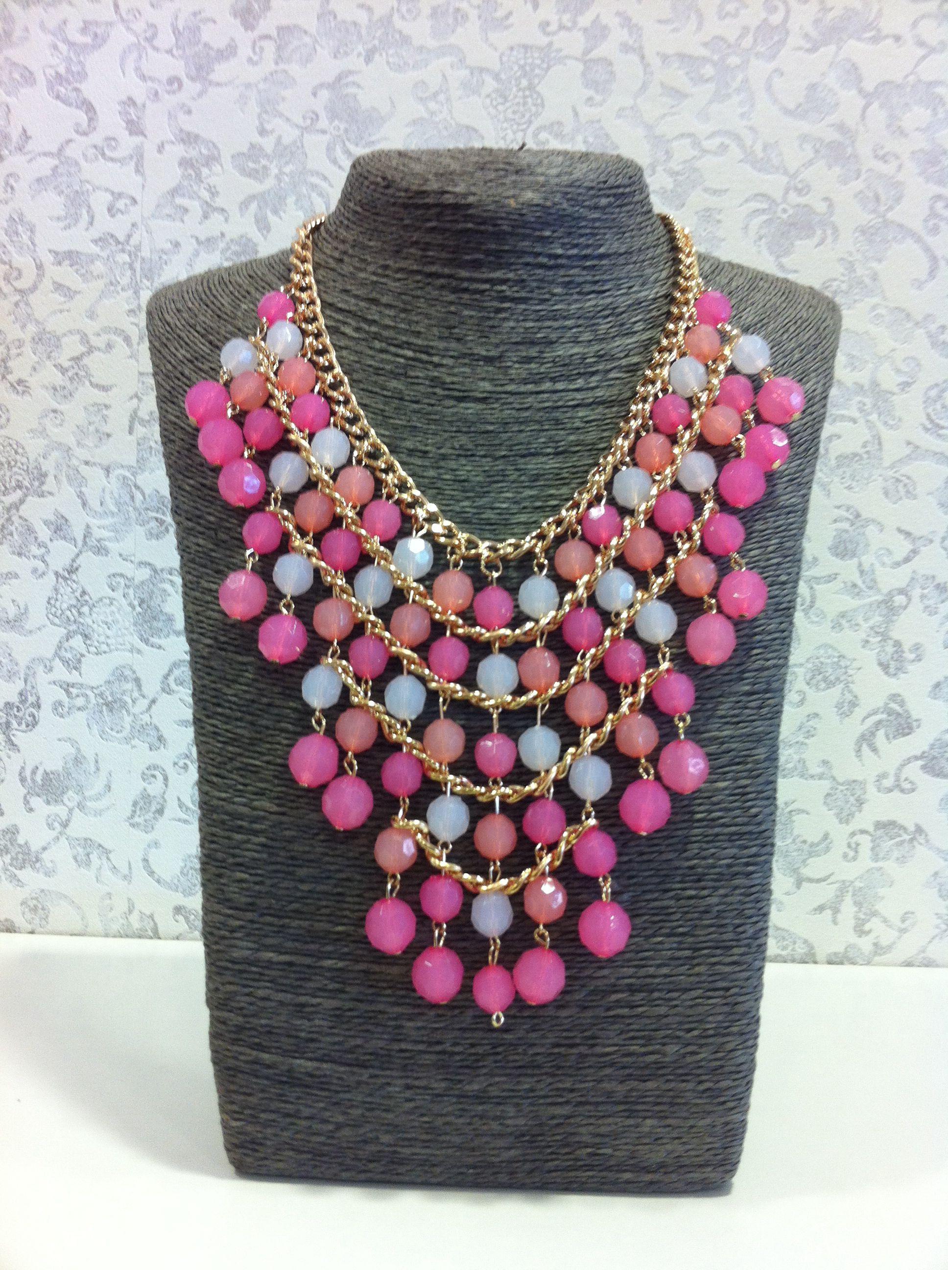 ae3a338935ce Collar grande tonos rosas