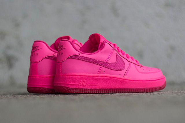 be3f7e2d328b NIKE AIR FORCE 1 GS – HYPER PINK