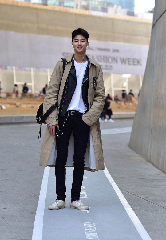 Street Style: Byun Woo Seok at Seoul Fashion Week Fall 2015 shot by Baek Seung Won